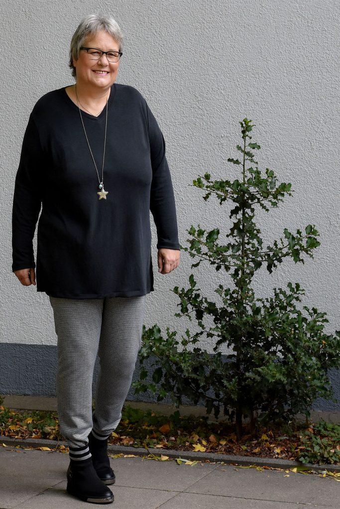 Blusenshirt mit V-Ausschnitt aus Modal