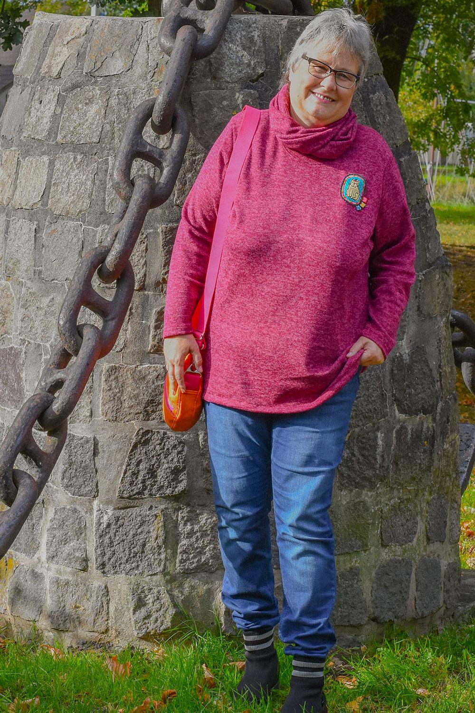 Schnittmuster Blusenshirt als Strickpulli mit passendem Loop