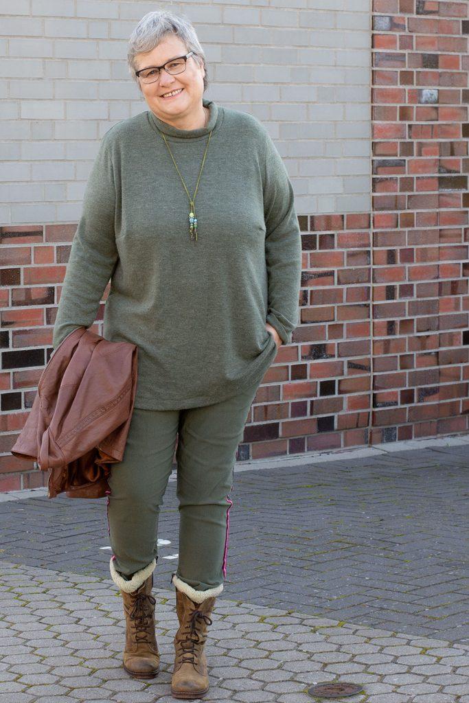 Pullover aus feinem Strickstoff nähen - Tipps und Tricks